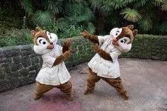 #Disneyland Paris. Chip & Dale in their safari jungle outfit in Adventureland #DLRP #DLP #Disney Tic Tac