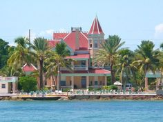 'Southernmost House' of the U.S.A is a stunning example of tropical Victorian architecture.