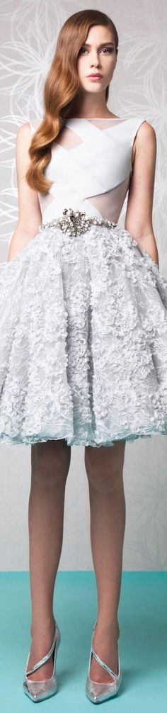 Find tips and tricks, amazing ideas for Tony ward. Discover and try out new things about Tony ward site Trendy Dresses, Nice Dresses, Casual Dresses, Short Dresses, Prom Dresses, Formal Dresses, Graduation Dresses, Women's Casual, Fashion Dresses
