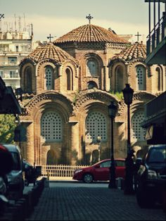 Panagia Chalkeon church will be 1000 years old in 14 years. (Walking Thessaloniki - Route Old City Hall) Byzantine Architecture, Church Architecture, Macedonia Greece, Greece Pictures, Roman Church, 1000 Years, Travel Advisory, Cathedral Church, Church Building