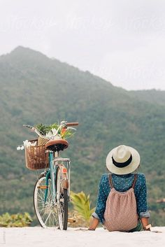 Mountains are Calling: Woman Ready for a Bike Adventure ….by Lumina Mountains are Calling: Woman Ready for a Bike Adventure ….by Lumina Photo Velo, Photography Poses, Travel Photography, Beauty Photography, Velo Vintage, Vintage Bicycles, Foto Poster, Photo Instagram, Adventure Is Out There
