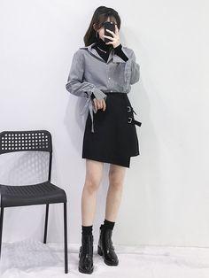 Wow looks amazing. korean fashion casual fashion out Korean Girl Fashion, Korean Fashion Casual, Korean Fashion Trends, Korean Street Fashion, Ulzzang Fashion, Korea Fashion, Kpop Fashion, Korean Outfits, Asian Fashion