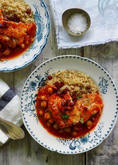 codfish in chorizo chickpea tomato sauce with quinoa Chorizo, Cod Fish, Tomato Sauce, Chana Masala, Quinoa, Risotto, Nom Nom, Curry, Food And Drink