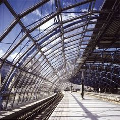 "Waterloo International Terminal was ""made to fit the cleaning machine"" says Nicholas Grimshaw Building Systems, Building Structure, Glass Structure, Waterloo Station, Chief Architect, Interesting Buildings, Geodesic Dome, Cladding, Movement Architecture"