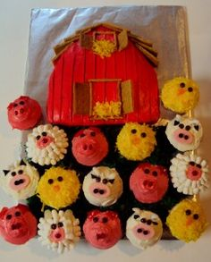 Farm animal cupcakes and barn...my Mom made these for Illa's 1st b-day, so cute.