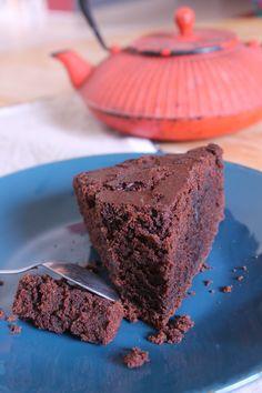 Sweet vegan chocolate cake - Quick and Easy Recipes No Bake Desserts, Healthy Desserts, Raw Food Recipes, Sweet Recipes, Delicious Desserts, Healthy Protein Breakfast, Patisserie Vegan, Gateaux Vegan, Vegan Sugar
