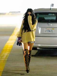 vanessa hudgens style best outfits - Page 89 of 100 - Celebrity Style and Fashion Trends Celebrity Boots, Celebrity Outfits, Celebrity Style, Estilo Vanessa Hudgens, Vanessa Hudgens Style, Love Fashion, Trendy Fashion, Winter Fashion, Fashion Trends