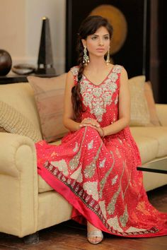 Love the kaam and color of this; definitely a good pick for the sister of the bride to wear -A