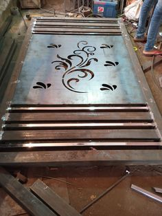 Steel Gate Design, Iron Gate Design, House Gate Design, Modern Window Grill, Window Grill Design, Metal Doors, Iron Doors, Indian Flag Wallpaper, Birthday Background Images