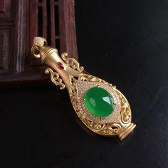 冰種滿綠鑲金碎鑽翠心瓶翡翠挂件
