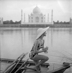 Image from http://www.normanparkinson.com/media/thumbnails/uploads/archive/india-11_main_image.jpg.