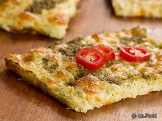 Did you know you could turn a head of cauliflower into a tasty flatbread? There's no magic needed to make our recipe for Cauliflower Flatbread. This diabetic-friendly flatbread is unbelievably good. We think it's the cheese and pesto sauce that reall Diabetic Recipes, Low Carb Recipes, Cooking Recipes, Diabetic Snacks, Bariatric Recipes, Healthy Recipes, Diet Recipes, A Food, Good Food