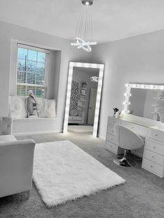 Bedroom Decor For Teen Girls, Teen Room Decor, Girl Apartment Decor, Room Design Bedroom, Room Ideas Bedroom, Neon Bedroom, Girl Bedroom Designs, Beauty Room Decor, Stylish Bedroom