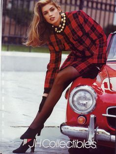Cindy Crawford 1990……….one of my favourite ads!
