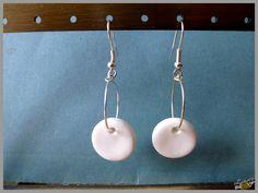 Boucles d'oreilles simples en pâte polymère polymer clay earrings http://ellefimote.canalblog.com/