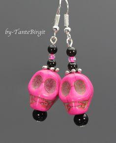 Ohrringe pinker Skull Totenkopf von TANBI-accessories:  Schmuckstücke für Kids und Erwachsene auf DaWanda.com