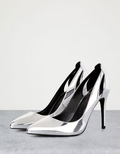 26Fine heeled metallic shoes - View All - Bershka Greece