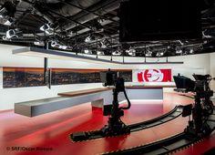 Explore photos of TV set design in this interactive gallery of the studio. Tv Set Design, Stage Design, Studio Setup, Studio Design, Tv Sets, Tv Station, Cool Designs, Gallery, Studios