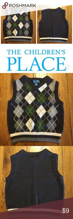 EUC THE CHILDREN'S PLACE ARGYLE SWEATER VEST EUC The Children's Place argyle sweater vest. Perfect for the holidays! The Children's Place Shirts & Tops Sweaters