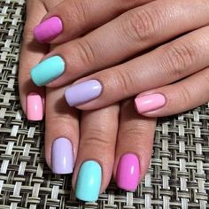 Pretty nails for summer.