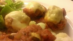 Baked chicken meat balls with cheese