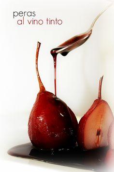 Peras al vino tinto.