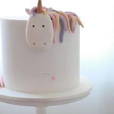 Finishing Friday with one more shot- unicorny goodness #unicorn #cake