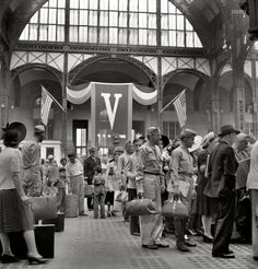 Off to war: New York's Pennsylvania Station, August 1942.