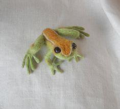Needle Felted Frog Shoulder Pet  Lifelike by SalamanderFeltworks, $50.00. Salamander Feltworks [California] - https://www.etsy.com/shop/SalamanderFeltworks #frog