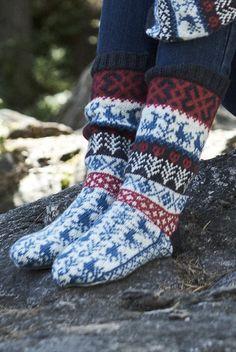 These socks were inspired by traditional Finnish patterns. Knitted from Novita Venla. Wool Socks, Knitting Socks, Hand Knitting, Knitting Patterns, Rainbow Dog, Scandinavian Pattern, Men In Heels, Knitting Magazine, Knitting Accessories