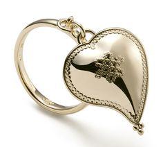 Diane von Furstenberg by H.Stern collection. Heart ring in 18K yellow gold. #HStern #DVF