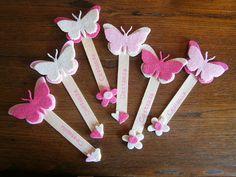 L'ora del te: Bomboniere per bambina: battesimo e comunione Popsicle Stick Crafts, Craft Stick Crafts, Felt Crafts, Diy Crafts For Kids, Paper Crafts, Felt Bookmark, Diy Bookmarks, Pop Stick, Book Markers