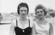 Diane Arbus, Two girls on the beach, Coney Island, 1958