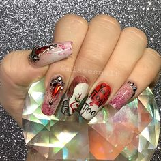 #halloween #pennywise #it #itnails #halloweennails #claws #nailsofinstagram Halloween Nails, Claws, Instagram, Beauty, Beauty Illustration