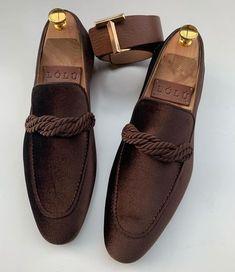 d6dea54344 Image may contain  shoes Mocassins Homens