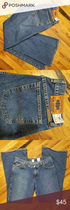 """Lucky Brand Bootcut Flare Jeans Very gently used. No stains, some scuffing at the bottom hem line. Measurements in picture. Waist 32"""", inseam 31"""" Lucky Brand Jeans Flare & Wide Leg"""