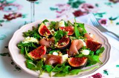 Sałatka z figami, mozzarellą i szynką parmeńską Caprese Salad, Mozzarella, Sprouts, Potato Salad, Salads, Potatoes, Vegetables, Ethnic Recipes, Food