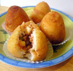 Campo de' Fiori Market |  Arancini di riso, fried rice with meat, sicily, Italy http://www.campodefiorimarket.com/