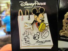 It& A 'Whole New World' Of Disney Pin Trading! Each Disney trading pin is a little work of art. The post It& A 'Whole New World' Of Disney Pin Trading! appeared first on DIY Projects. Walt Disney World, Disney Parks, Disney World Tipps, Disney Trips, Lego Disney, Disney Cute, Arte Disney, Disney Magic, Disney Pixar