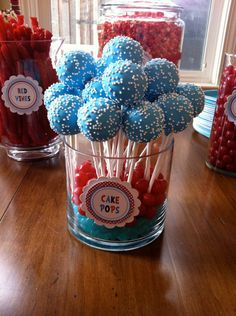 Fourth of July Dessert Ideas - Patriotic Cake Pops Dr Seuss Birthday Party, First Birthday Parties, Boy Birthday, First Birthdays, Birthday Ideas, Cake Birthday, Fête Spider Man, Cake Pops, Cat In The Hat Party