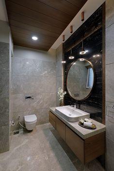 Washroom Tiles, Washroom Design, Wall Tiles Design, Bathroom Design Luxury, Home Interior Design, Toilet And Bathroom Design, Modern Bathroom Tile, Small Bathroom, Bathroom Designs India