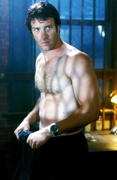 Pin for Later: Trying to See Some Shirtless Dudes This Summer? Here Are 23 Steamy Netflix Options The Punisher After an FBI agent's (Thomas Jane) family is brutally slaughtered, he takes off his shirt and vows vengeance on the perpetrators. Watch it now.