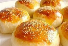 Bayram kahvaltısı I will give you a recipe for a soft, light and puffy puffy puff pastry like its na Donut Recipes, Pastry Recipes, New Recipes, Cooking Recipes, Healthy Recipes, The Kitchen Food Network, Food Photography Tips, Turkish Recipes, Cuisines Design