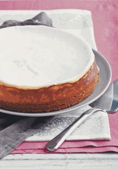 Annabel's classic cheesecake Food and Home Entertaining Cheesecake Recipes, Dessert Recipes, Desserts, My Recipes, Cooking Recipes, Springform Cake Tin, Classic Cheesecake, Digestive Biscuits, Cheese Cakes
