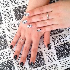vintage dress and amazing matching nails