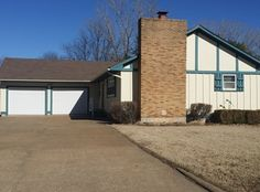 Spacious 3 bedroom, 2 full bathroom ranch with main floor laundry. Gorgeous fireplace in family room.  1205 W 14th Street Ct, Chanute, KS 66720 is For Sale | Zillow