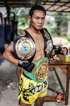 Muay Thai world champion and pound for pound top thai fighter - Saenchai