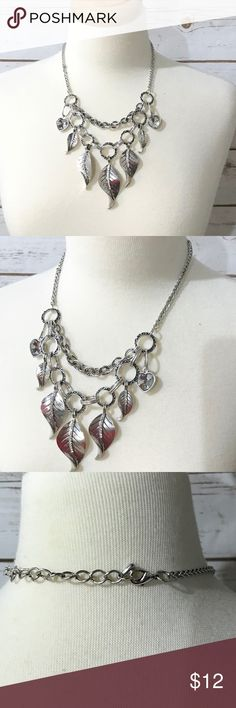 🌷Statement Necklace 🌷 I bought this from another posher but I never wore it. No damages! No tarnish! Not express. Express Jewelry Necklaces