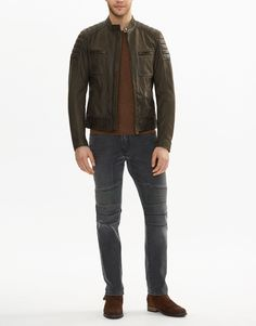 This spring oiled green suede jacket features exposed zips, as well as shoulder and elbow quilting. Shop the Weybridge 2017 suede jacket from Belstaff US. Green Suede Jacket, Belstaff, Leather Jackets, Biker, Shopping, Fashion, Moda, Fashion Styles, Fashion Illustrations