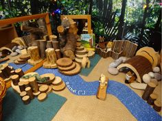 "A few activities linked with the story, 'The Gruffalo', for the Early Years classroom - from Rachel ("",) Gruffalo Eyfs, Gruffalo Activities, Gruffalo Party, The Gruffalo, Tuff Spot, Nursery Activities, Preschool Activities, Indoor Activities, Nursery Themes"